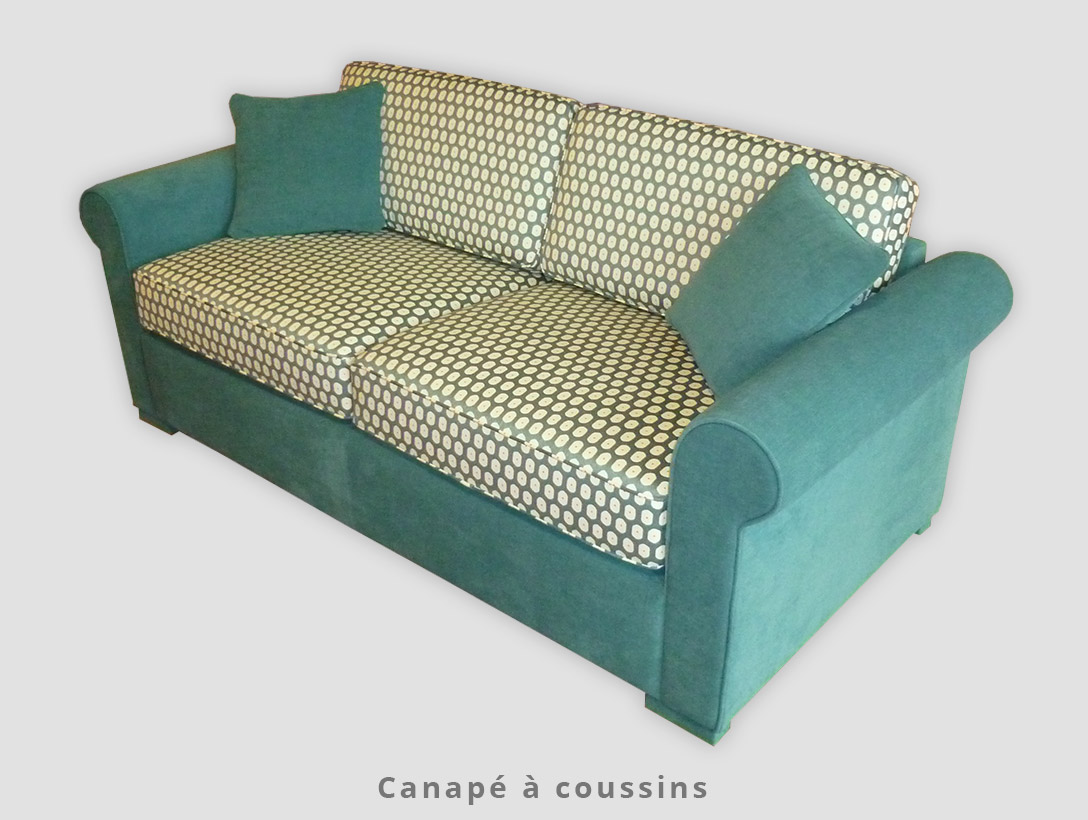 Canapé à coussins